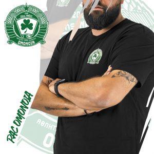 Μαύρη φανέλα με σήμα / Black t-shirt with logo
